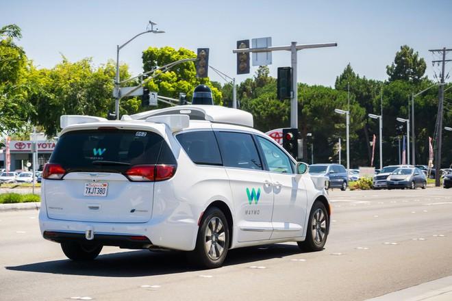Phải chăng xe hơi tự lái của Trung Quốc đang dần vượt mặt các đối thủ Mỹ? - Ảnh 2.