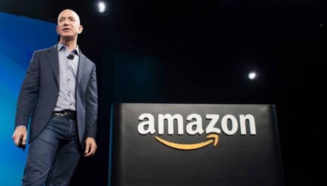 Độ giàu của tỷ phú Jeff Bezos không bị ảnh hưởng nhiều, vì ông đã bán 3,4 tỷ USD cổ phiếu Amazon ngay trước khi dịch bệnh Covid-19 bùng phát - Ảnh 1.