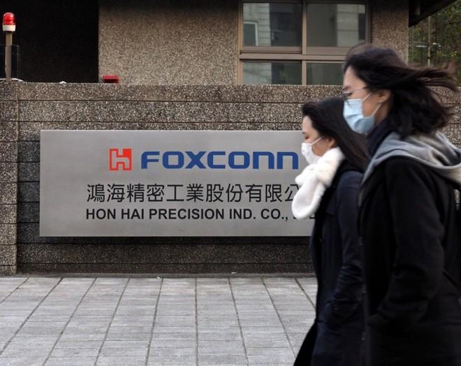 Foxconn sẽ bắt đầu sản xuất bình thường trở lại từ cuối tháng 3 - Ảnh 1.