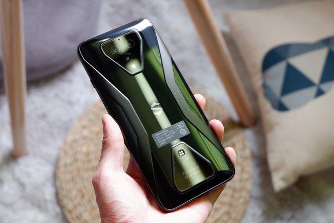 Trên tay Black Shark 3: Snapdragon 865, sạc nhanh 65W, có jack tai nghe 3.5mm - Ảnh 4.