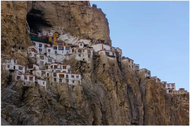 21 bức ảnh ngoạn mục về các địa điểm tôn giáo biệt lập bậc nhất thế giới - Ảnh 15.
