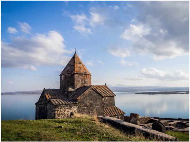 21 bức ảnh ngoạn mục về các địa điểm tôn giáo biệt lập bậc nhất thế giới - Ảnh 21.