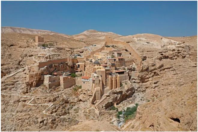 21 bức ảnh ngoạn mục về các địa điểm tôn giáo biệt lập bậc nhất thế giới - Ảnh 7.