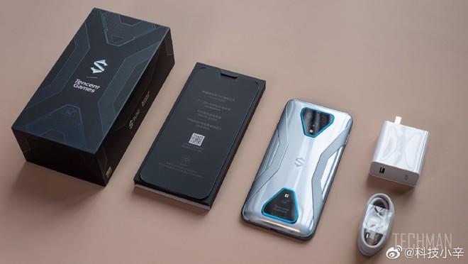 Trên tay Black Shark 3: Snapdragon 865, sạc nhanh 65W, có jack tai nghe 3.5mm - Ảnh 2.