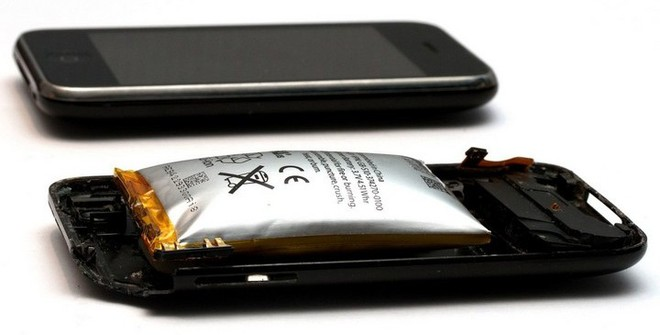 Các nhà khoa học phát triển thành công loại pin lithium không bao giờ phát nổ dù có quá nhiệt - Ảnh 2.