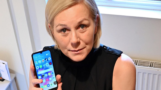 Đổi từ iPhone sang Android, một người phụ nữ thoát chết - Ảnh 1.