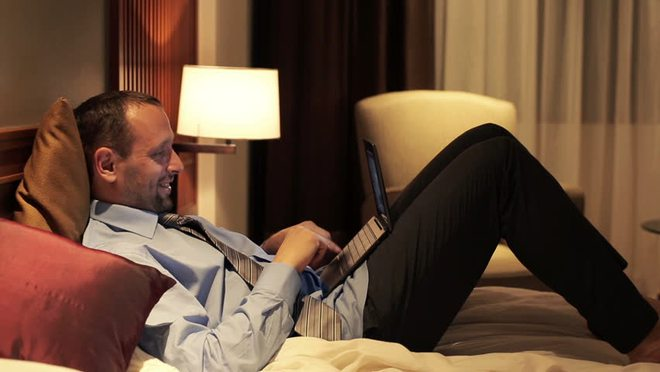 Mua máy tính để làm việc tại nhà, tại sao nên chọn laptop thay vì desktop? - Ảnh 4.