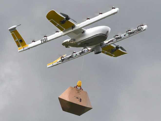 Covid-19 khiến nhu cầu giao hàng bằng drone của Alphabet tăng mạnh, giao hơn 1.000 đơn trong 2 tuần, chủ yếu là giấy vệ sinh - Ảnh 1.