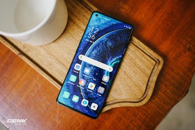 Top smartphone màn hình nét căng, lớn đẹp lại có pin bền để Netflix & Chill cho hết kì nghỉ - Ảnh 3.