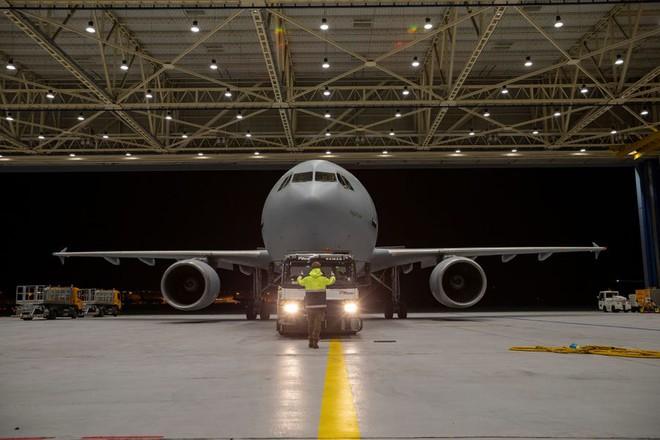 """Bên trong """"bệnh viện bay"""" Airbus A310 của quân đội Đức - Ảnh 5."""