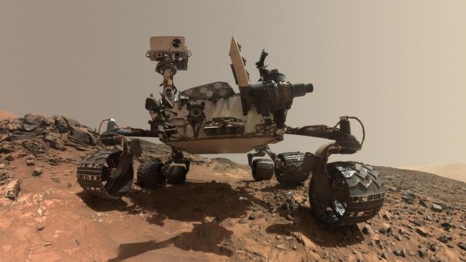Sáng tạo khi làm việc tại nhà: kỹ sư NASA dùng kính 3D 2 màu xanh, đỏ để điều khiển robot thám hiểm Sao Hỏa - Ảnh 2.