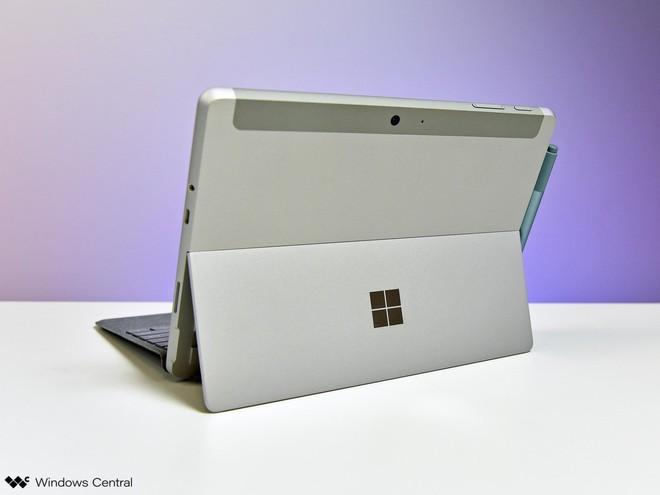 Surface Go 2 sẽ có màn hình lớn hơn và viền mỏng hơn thế hệ trước - Ảnh 1.