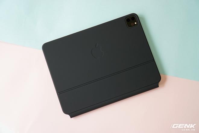 Trên tay và trải nghiệm nhanh bàn phím Magic Keyboard hơn 10 triệu đồng của iPad Pro: rất nặng, lắp vào dày hơn MacBook Pro 13, bù lại phím gõ rất sướng tay - Ảnh 20.