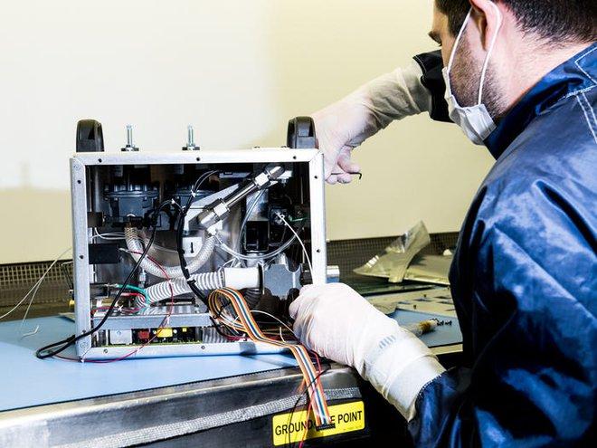 Chỉ trong 37 ngày, NASA thiết kế và chế tạo thành công máy thở xâm lấn vừa rẻ vừa đơn giản - Ảnh 2.