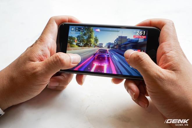 Trải nghiệm nhanh iPhone SE 2020: Quái vật không sừng đội lốt cừu non - Ảnh 7.