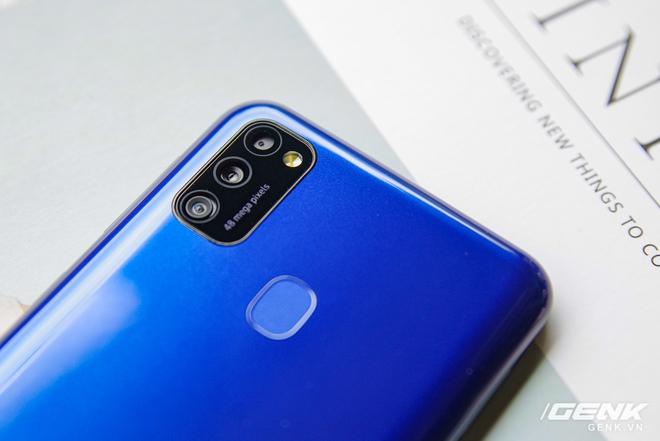 Mở hộp Galaxy M21: thiết kế cơ bản với màn hình Infinity-U, 3 camera 48MP và pin 6000mAh - Ảnh 6.