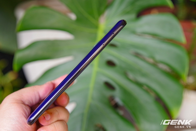 Mở hộp Galaxy M21: thiết kế cơ bản với màn hình Infinity-U, 3 camera 48MP và pin 6000mAh - Ảnh 10.