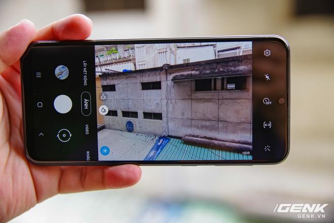 Mở hộp Galaxy M21: thiết kế cơ bản với màn hình Infinity-U, 3 camera 48MP và pin 6000mAh - Ảnh 7.