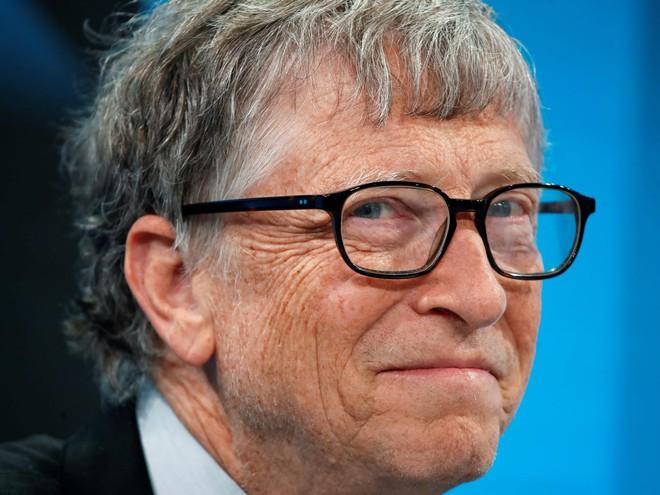 Video: Bill Gates sẽ xây cả 7 nhà máy sản xuất vắc-xin COVID-19, chịu mất hàng tỷ USD để có vắc-xin sớm hơn vài tháng - Ảnh 2.