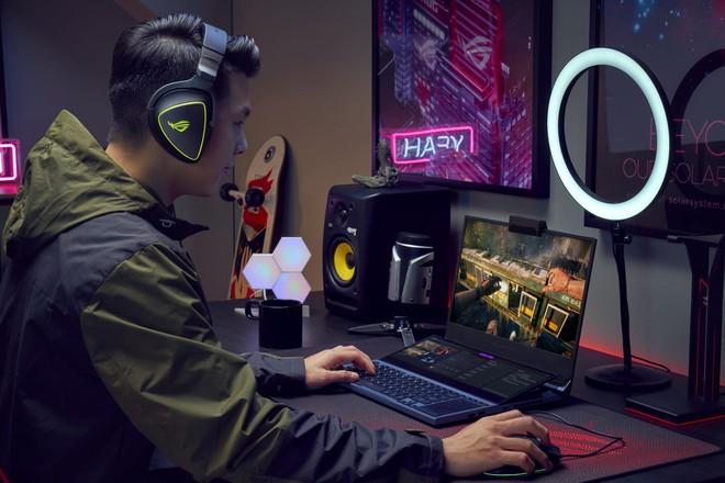 Asus ROG Zephyrus Duo ra mắt: Laptop gaming với hai màn hình, chip Intel Core thế hệ 10, giá từ 2999 USD - Ảnh 2.