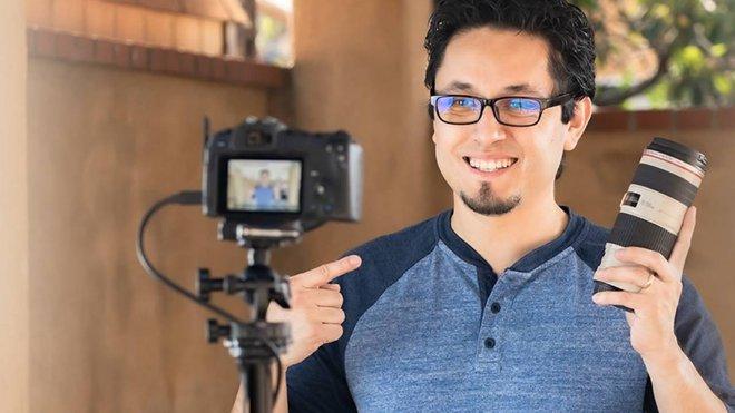 Canon phát hành phần mềm giúp người dùng sử dụng camera làm webcam để họp và học online - Ảnh 1.