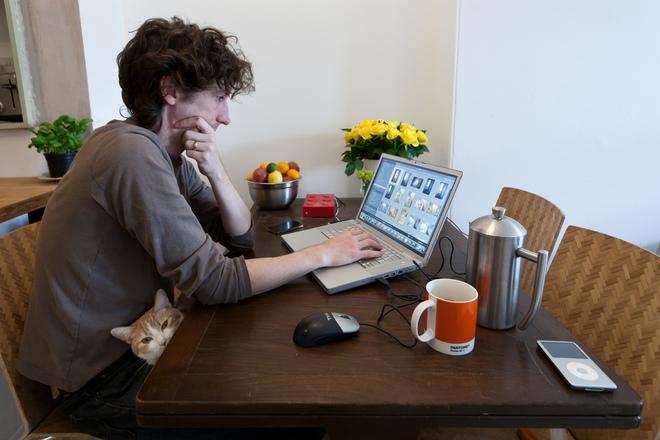 Cư dân mạng thích thú với đoạn video tóm gọn những vấn đề khi làm việc online không trượt phát nào - Ảnh 1.