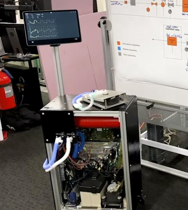 Tesla tung video cho thấy mình sản xuất máy thở xịn (có xâm lấn) từ chính phụ tùng chiếc xe điện Model 3 - Ảnh 3.
