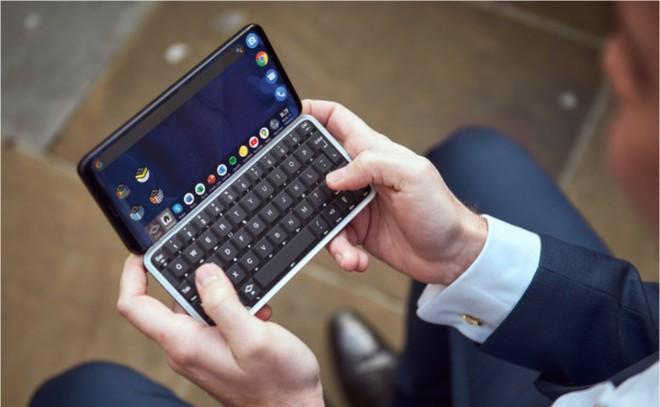 2020 rồi vẫn có smartphone dùng bàn phím trượt, gọi vốn 10 ngày được 19 tỷ, chạy Android 10 và Linux, 5G nhanh nhất thế giới, giá từ 12 triệu - Ảnh 1.