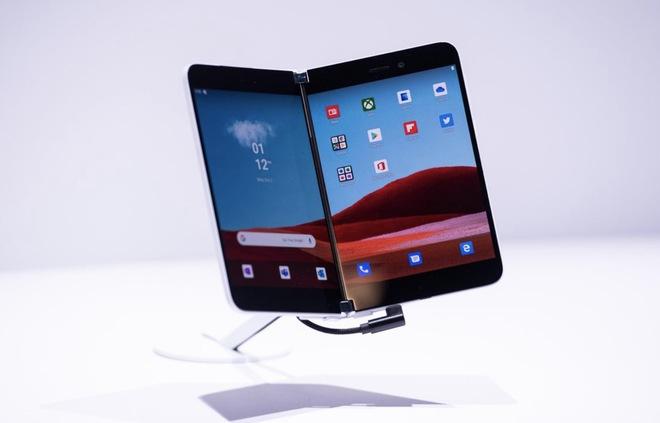 Bức ảnh đầu tiên chụp bằng Surface Duo lộ diện, nhưng chất lượng không có gì nổi bật - Ảnh 1.