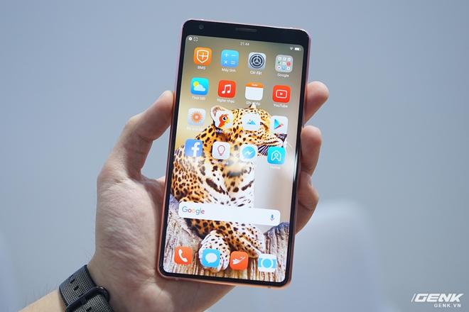 Cận cảnh Bphone B86: Chống nước IP68 Plus, camera kép như 5 camera, Snapdragon 675, eSIM, giá 8.99/9.99 triệu - Ảnh 1.