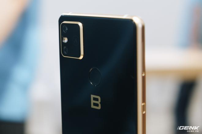 Cận cảnh Bphone B86: Chống nước IP68 Plus, camera kép như 5 camera, Snapdragon 675, eSIM, giá 8.99/9.99 triệu - Ảnh 6.