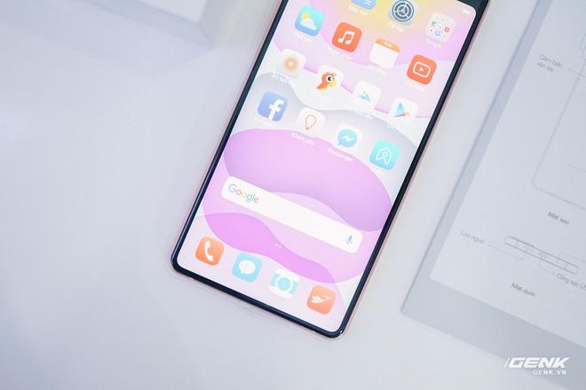 Mở hộp Bphone B86: Bên trong hộp smartphone cao cấp nhất của BKAV có gì? - Ảnh 14.