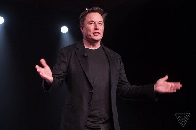 Elon Musk mở cửa nhà máy Tesla bất chấp lệnh cấm vì Covid-19, thách thức các quan chức bắt giữ mình - Ảnh 1.