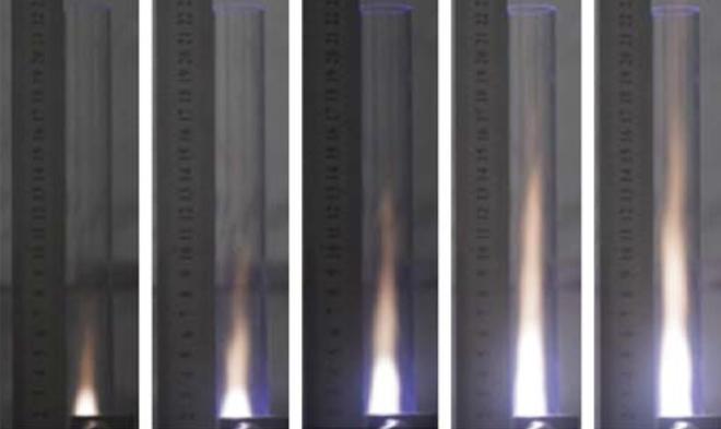 Nhóm nghiên cứu tạo ra động cơ phản lực vi sóng kết hợp plasma, mong muốn thay thế động cơ máy bay hiện tại - Ảnh 1.