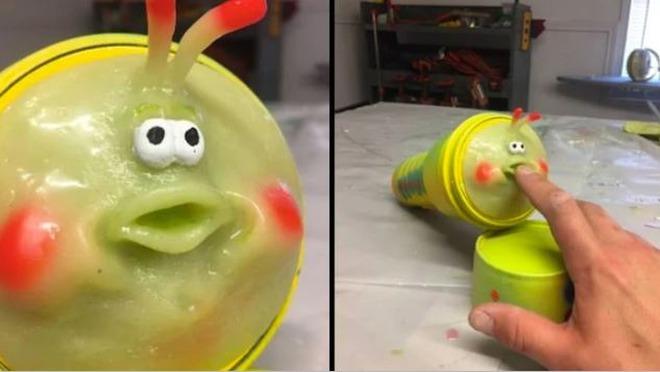 Món đồ chơi người lớn được chế theo thiết kế của chú sâu bướm Heimlich trong bộ phim A Bug's Life.