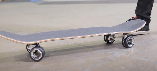 YouTuber bỏ 700 USD mua 4 chiếc bánh xe của Mac Pro để làm ván trượt - Ảnh 3.