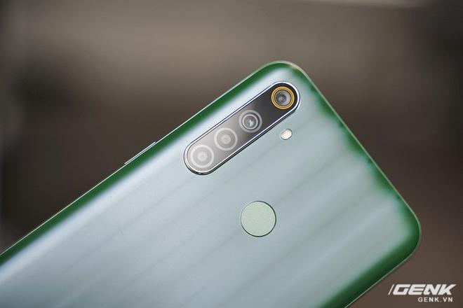 Đánh giá Realme 6i: Pin bền, sạc nhanh, chơi game tốt nhưng vẫn còn điểm trừ quá đáng tiếc - Ảnh 8.