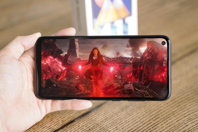 """Đánh giá pin Galaxy M11: Xem phim 13 tiếng, chiến Liên Quân xuyên đêm mới """"vắt kiệt"""" được viên pin 5000mAh - Ảnh 3."""
