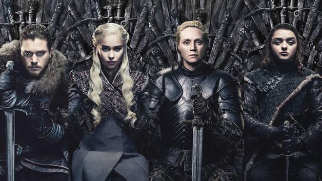 Nữ diễn viên Game of Thrones mắng fan hâm mộ là vô ơn vì đã ném đá mùa phim cuối - Ảnh 1.