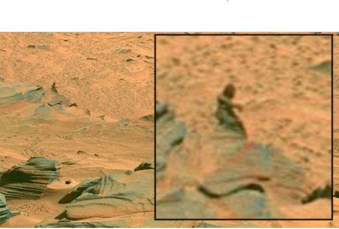 Những bức ảnh chụp trên Sao Hỏa kỳ lạ nhất thế giới: Toàn đất đá mà nhìn ra đủ thứ, từ động vật, thực vật cho đến cả mặt người - Ảnh 9.