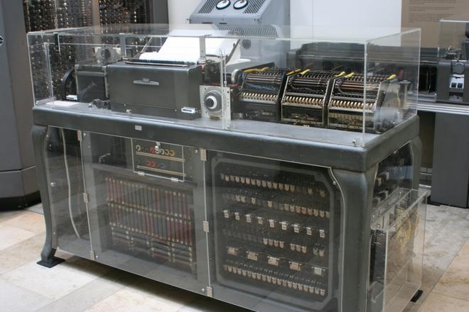 Sa thải công nhân trong khủng hoảng kinh tế có là sai lầm? Lịch sử hãng IBM là minh chứng rõ ràng nhất - Ảnh 3.