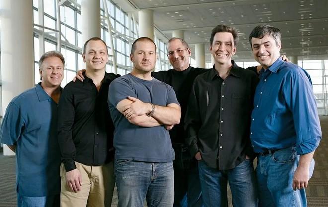 Sếp cũ Scott Forstall chia sẻ câu chuyện đầy sóng gió khi được Steve Jobs tuyển mộ vào Apple - Ảnh 1.