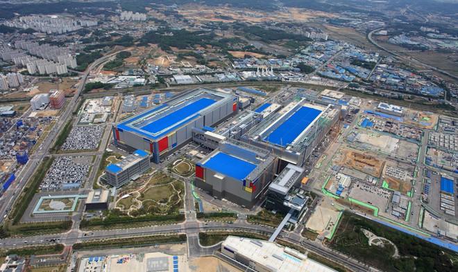 Đại chiến gia công chip Samsung-TSMC nóng lên khi Huawei bị Mỹ trói chân - Ảnh 1.