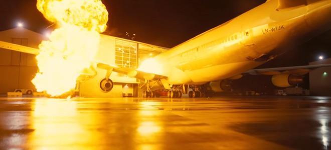 Chịu chơi như Christopher Nolan: Mua hẳn 1 chiếc máy bay Boeing về quay cảnh cháy nổ cho chân thật, khỏi cần CGI - Ảnh 1.