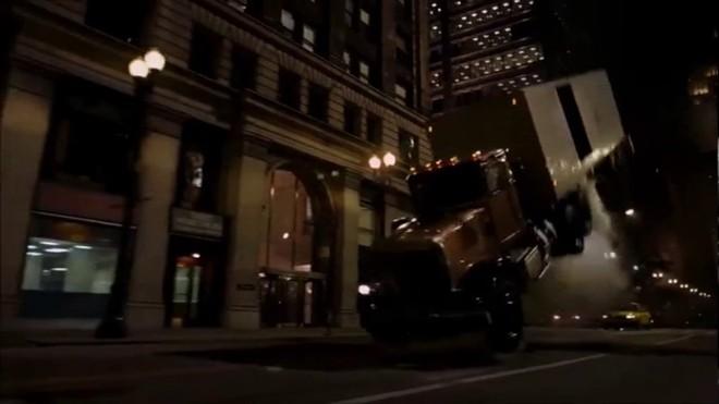 Chịu chơi như Christopher Nolan: Mua hẳn 1 chiếc máy bay Boeing về quay cảnh cháy nổ cho chân thật, khỏi cần CGI - Ảnh 2.