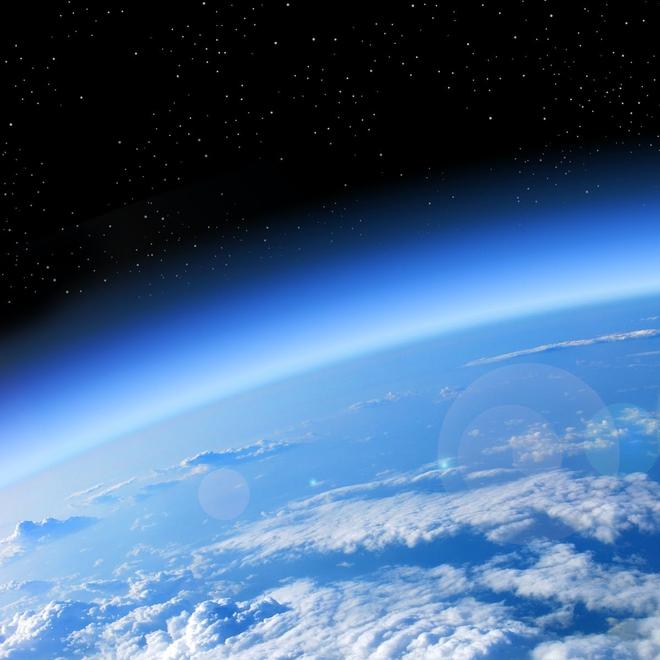 Tại sao lỗ hổng tầng ozone tại Bắc Cực vừa đột ngột đóng lại? - Ảnh 1.