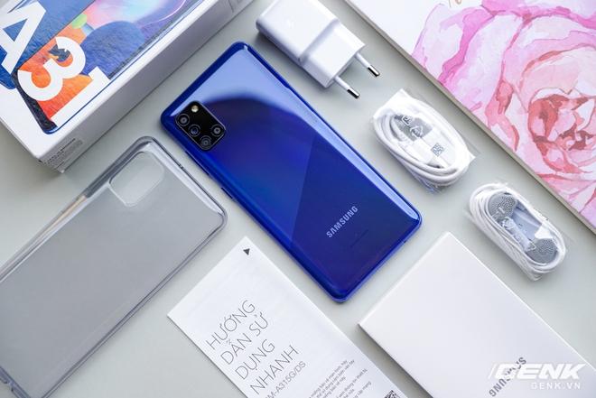Trên tay Galaxy A31: ngoại hình chuẩn mực dòng A, 4 camera 48MP, pin 5000mAh - Ảnh 1.