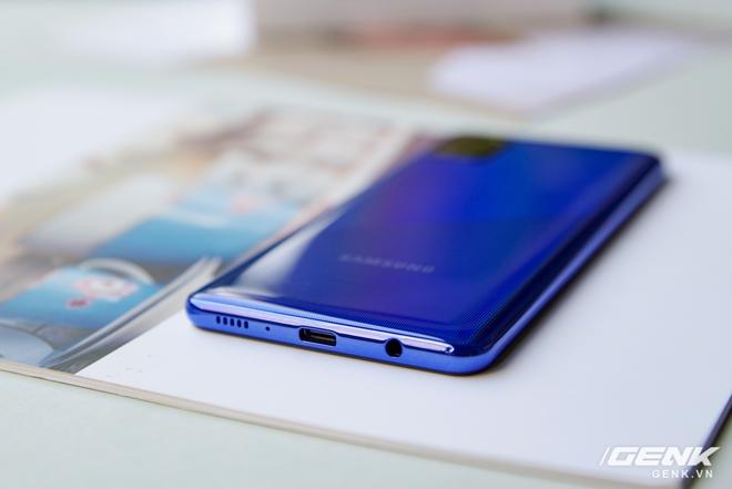 Trên tay Galaxy A31: ngoại hình chuẩn mực dòng A, 4 camera 48MP, pin 5000mAh - Ảnh 9.