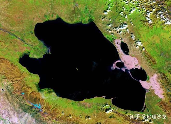 Vì sao thấp hơn mực nước biển nhưng lưu vực Turpan lại không hề có những hồ nước lớn? - Ảnh 4.