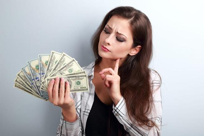 Tâm lý học: Tại sao việc tiêu tiền khiến chúng ta vui vẻ và hạnh phúc? - Ảnh 1.